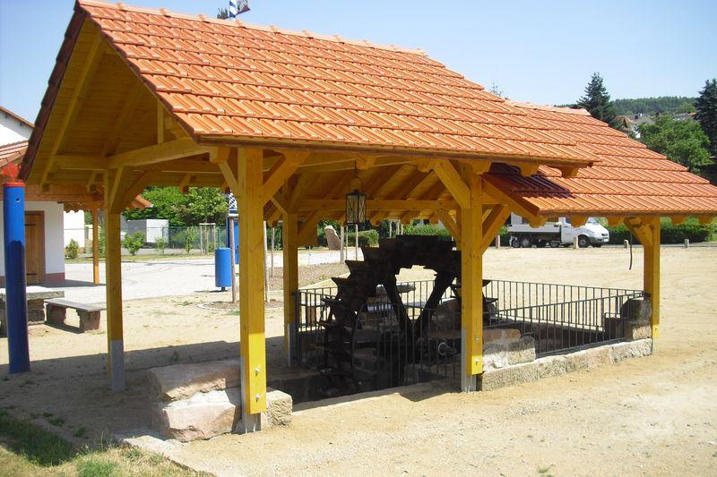 Wasserrad Dorfplatz